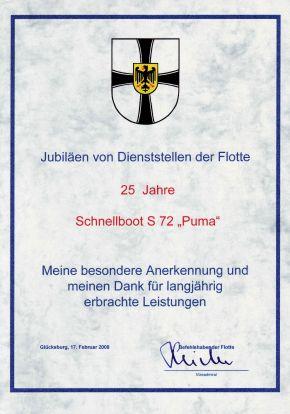 """Urkunde zum 25. Jubiläum des Schnellbootes """"Puma"""". Foto: Deutsche Marine"""