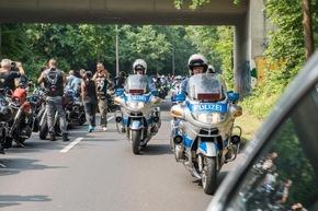 Aufstellung der Biker auf der Bundesgrenzschutzstraße