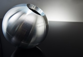 Kugel Deutscher Nachhaltigkeitspreis / Fotograf Frank Fendler