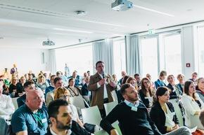 Das interessierte und engagierte Publikum stellte viele Fragen an die Referenten