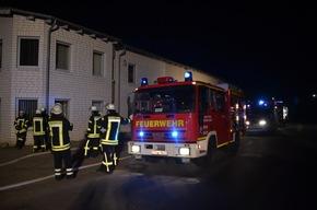 Feuerwehrfahrzeuge am Brandort
