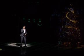 """Felix Martin auf der Benefiz-Gala """"Weihnachten in Notre Dame"""" (Foto: Stage / Jan Potente)"""