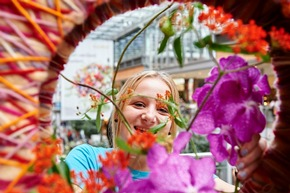 Florist-Azubis beim Fleurops Junge Wilde Azubi-Cup 2016 in Berlin | Foto: Yves Sucksdorff/Fleurop AG