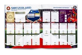 """Double-page Suisse vide / Panini 2018 FIFA World Cup RussiaTM - Gold Edition / Texte complémentaire par ots et sur www.presseportal.ch/fr/nr/100020842 / L'utilisation de cette image est pour des buts redactionnels gratuite. Publication sous indication de source: """"obs/PANINI SUISSE AG"""""""