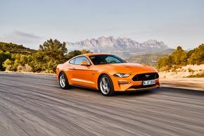 """Der Ford Mustang GT Fastback verteidigte seinen Importsieg aus dem Vorjahr in der Kategorie """"Serienautos Coupés bis 50.000 Euro"""". Er vereinte 39,8 Prozent der abgegebenen Stimmen auf sich. Weiterer Text über ots und www.presseportal.de/nr/6955 / Die Verwendung dieses Bildes ist für redaktionelle Zwecke honorarfrei. Veröffentlichung bitte unter Quellenangabe: """"obs/Ford-Werke GmbH"""""""