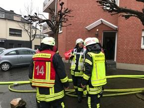 FW-GL: Wohnungsbrand mit Menschenrettung in Bergisch Gladbach - Hebborn