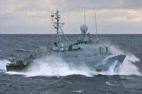 """Archivfoto: Hohlstablenkboot """"Auerbach in der Oberpfalz"""" während des UNIFIL-Einsatzes 2008 im Mittelmeer. Foto: Deutsche Marine"""