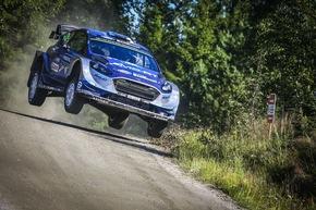 Elfyn Evans fliegt im Ford Fiesta WRC in Finnland auf Platz zwei