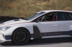 CUPRA e-Racer: Mit dem Rennwagen an die Steckdose
