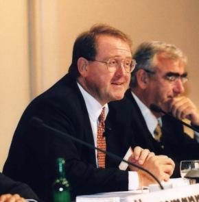 """5. Internationale Handelsblatt-Jahrestagung /  """"Banken im Umbruch"""" -  Auf dem Weg zur B@nk der Zukunft / 14. und 15. September 2000 in Frankfurt / Fotos der Referenten, Teil 2/2"""