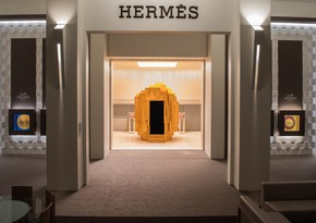 """The Hermès pavilion once again accentuates the Hermès approach to time. An open-minded, warm and transparent spirit. More information via ots and www.presseportal.ch/de/nr/100063671?langid=2 / Editorial use of this picture is free of charge. Please quote the source: """"obs/Hermès"""""""