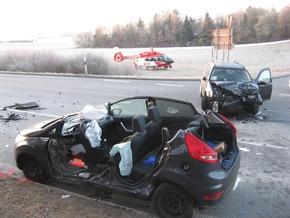Schwerer Verkehrsunfall in Nagold im Kreuzungsbereich  Bild Markus Fritsch Kreisfeuerwehrverband Calw