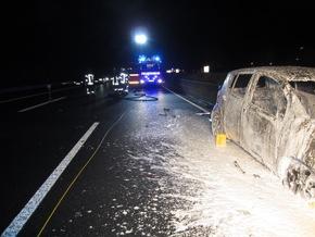 FW-MH: Verkehrsunfall auf der A40: 4 Verletzte, 3 beteiligte PKW, 1 PKW in Vollbrand!