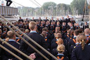 """Deutsche Marine - Pressemeldung: Aktuelle Fotos vom Auslaufen der """"Gorch Fock"""""""