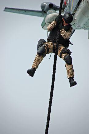 Deutsche Marine - Bilder der Woche: Fotobeispiele von Marinesoldaten im Einsatz unter anderem zum Boarding