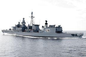 """Die zahlreichen Einsätze der """"Karlsruhe"""" führten sie auch als erste deutsche Fregatte zur UN-Mission UNIFIL vor die Küste des Libanon. Foto: Ann-Katrin Winges, Deutsche Marine"""