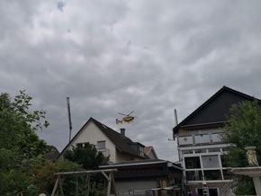 Christoph 8 aus Lünen bei der Landung auf dem Schulplatz der Uhlandschule