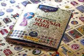 """Album Gold / Panini 2018 FIFA World Cup RussiaTM - Gold Edition / Texte complémentaire par ots et sur www.presseportal.ch/fr/nr/100020842 / L'utilisation de cette image est pour des buts redactionnels gratuite. Publication sous indication de source: """"obs/PANINI SUISSE AG"""""""