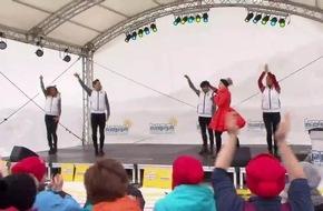 Schlagerprinzessin Beatrice Egli brachte musikalischen Schwung nach Kappl - BILD/VIDEO