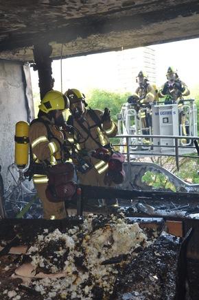 FW Ratingen: Bildmaterial zum Brandeinsatz Hochhaus in Ratingen