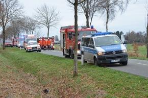 Einsatzfahrzeuge am Unfallort