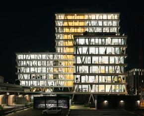 """Das 50Hertz Netzquartier in Berlin ist einer der drei Finalisten für den DGNB Preis """"Nachhaltiges Bauen"""" Foto: HG Esch Photography"""
