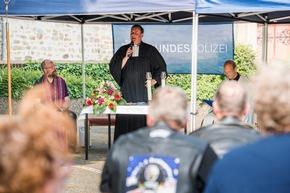 Pfarrer Platte sowie Bundespolizeipfarrer Gregorius und Ischler feiern den Gottesdienst