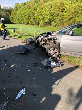 An den Fahrzeugen entstand ein erheblicher Schaden.