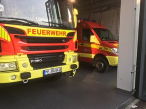 Hilfeleistungslöschfahrzeug (HLF) und Einsatzleitwagen (ELW 1)