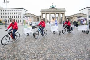 VIER PFOTEN Fahrrad-Aktion in Berlin, 22.11.2017 (c) VIER PFOTEN, Peter-Paul Weiler
