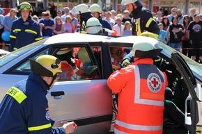 Nachstellung eines schweren Verkehrsunfalles.