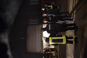 Polizeibeamte am Brandort