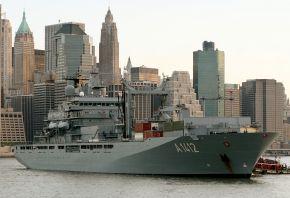 """Deutsche Marine - Pressemeldung/ Pressetermin: Marine besucht wieder New York - Soldaten legen Kranz am """"Ground Zero"""" nieder"""
