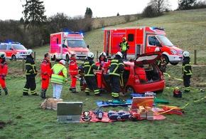 FW-MK: Verkehrsunfall in Dahlsen - Rettungshubschrauber im Einsatz