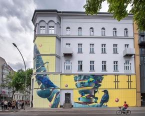Neu gestaltete Fassade - Seitenansicht. Nika Kramer/URBAN NATION (Abdruck honorarfrei)