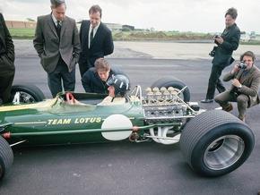 Ford bei den Classic Days auf Schloss Dyck: 50 Jahre Cosworth DFV-Formel 1-Motor, acht Generationen Fiesta
