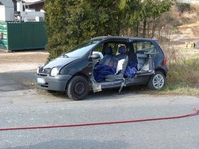 FW-DT: Verkehrsunfall mit zwei verletzten Personen