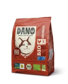 """DANO Getreidefreies Bio Trockenfutter für Katzen mit Huhn, 300 g, je 3,99 Euro. Weiterer Text über ots und www.presseportal.de/nr/131377 / Die Verwendung dieses Bildes ist für redaktionelle Zwecke honorarfrei. Veröffentlichung bitte unter Quellenangabe: """"obs/DANO - YARRAH ORGANIC PETFOOD B.V"""""""