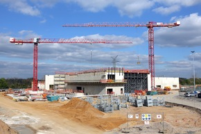 4.000 Kubikmeter Beton verarbeitet: Wichtige Etappe beim Bau des neuen Klimawindkanal-Zentrums von Ford erreicht
