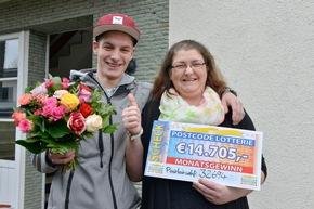 Jutta und ihr Sohn Dominique können ihr Glück jetzt erst fassen. Dabei wollten sie mir ihrem Los eigentlich nur Gutes tun. Foto: Postcode Lotterie/Wolfgang Wedel