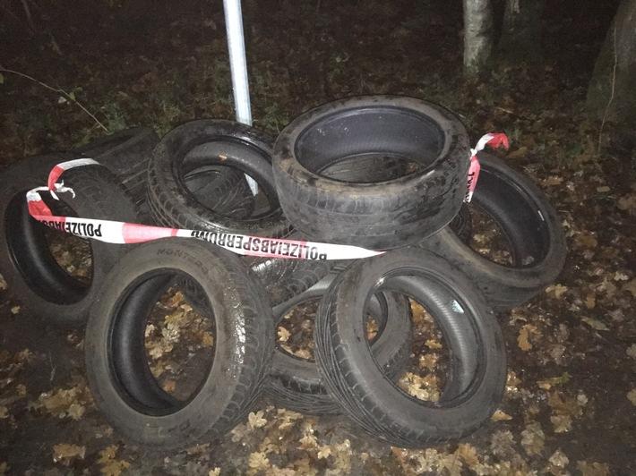POL-SE: Quickborn - Polizei erbittet Hinweise nach illegaler Abfallablagerung