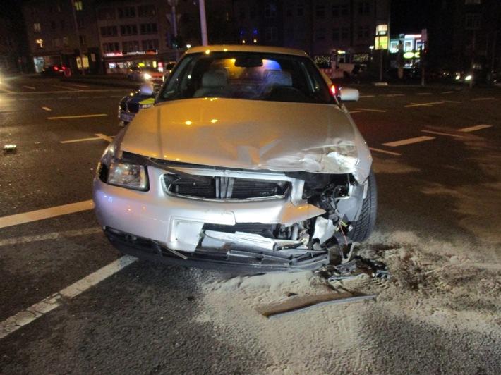 POL-HA: Hagen- Verkehrsunfall mit Rettungswagen