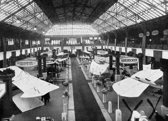 ILA-Historie: 105 Jahre Spiegelbild der Luft- und Raumfahrtgeschichte / Die erste ILA im Jahr 1909 in Frankfurt/Main dauerte 100 Tage - Seit 1992 internationaler Branchentreff in Berlin/Brandenburg