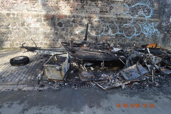 POL-DO: Wohnwagen abgebrannt - Polizei sucht Zeugen