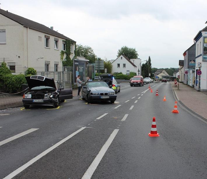 POL-RBK: Bergisch Gladbach - BMW schleuderte in Gegenverkehr