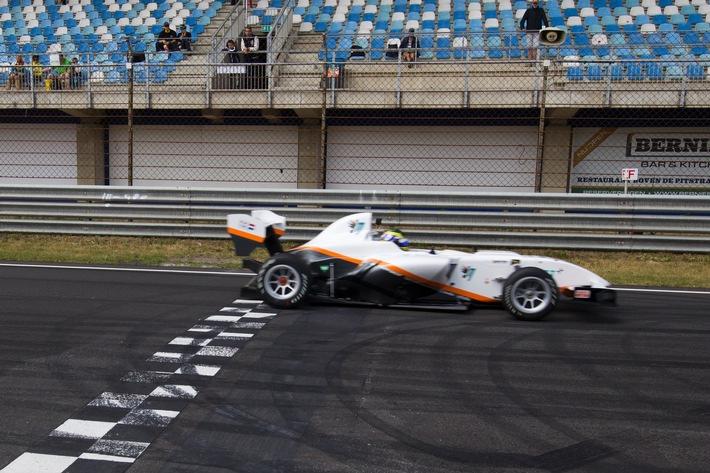 Kumho Partner InMotion verbessert elektrischen Rundenrekord in Zandvoort