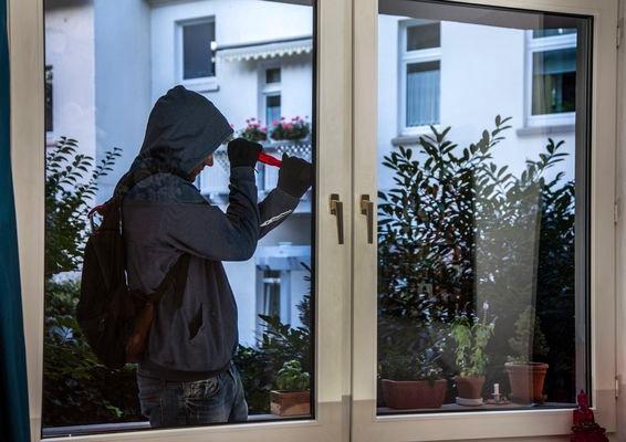POL-REK: Achtung, gekippte Fenster sind offene Fenster! - Bergheim/Wesseling