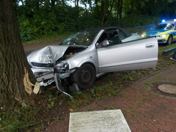 POL-MI: Unfallfahrer fuhr betrunken gegen Baum