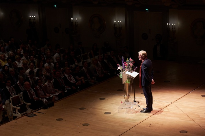 Die Hertie School trauert um ihren ehemaligen Präsidenten Henrik Enderlein (FOTO)