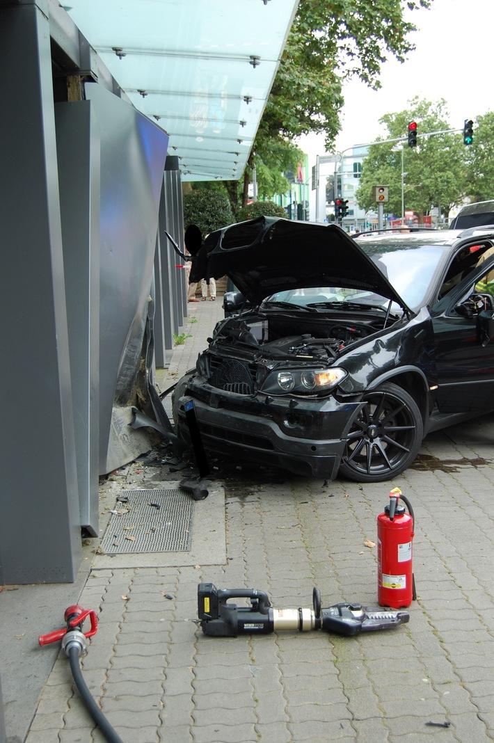 POL-PPWP: Verkehrsunfall an der Tourist-Information